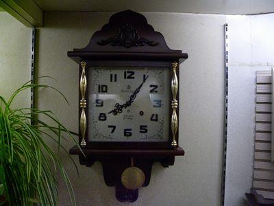 《戸田時計店   》アイチ社製 手巻き式アンティーク時計  40年程昔?の時計です。